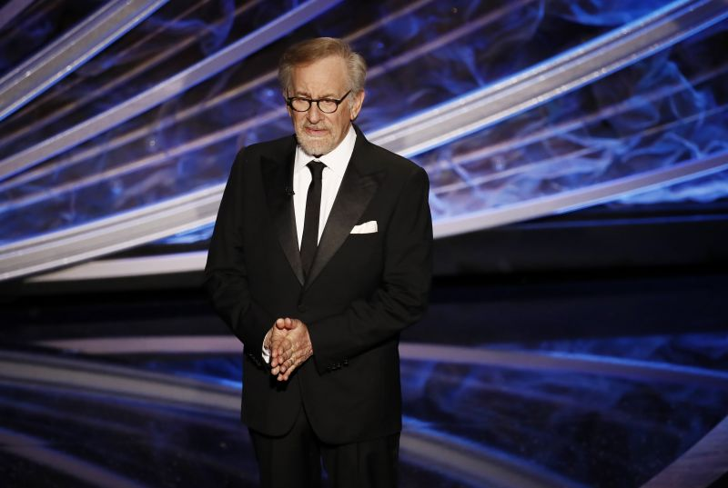 Steven Spielberg támogatja lányát a pornózásban