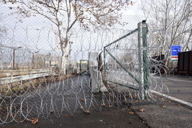 Index: Ízléstelen videón gúnyolják a menekülteket a magyar rendőrök