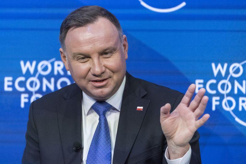 """A lengyel elnök ki meri mondani, amit Orbán nem: """"egészségügy javítása"""""""