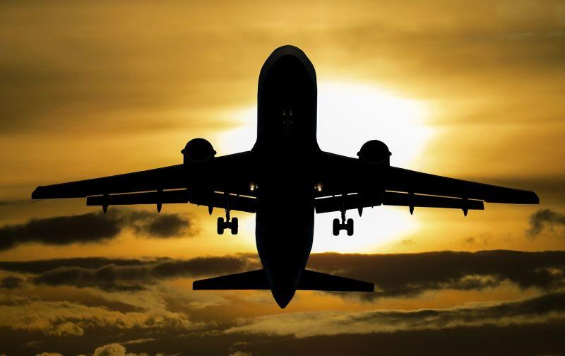 Koronavírus: folyamatosan érkeznek az emberek Olaszországból Magyarországra, a reptereken vizsgálják őket