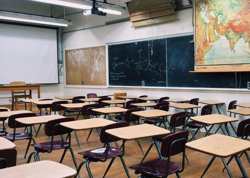 """""""Nyomorúságos"""" – Felháborodtak a tanárok a most bejelentett béremelés miatt"""