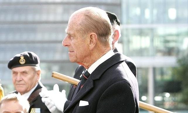 Az angol királynő férje, Fülöp herceg már arról beszél, milyen temetést szeretne magának