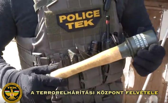 Kézigránát-utánzattal fenyegetett, a TEK ment érte – videó
