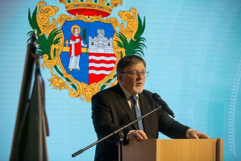 Győr jegyzőjének pozitív lett a tesztje, a polgármester külön fertőtlenítést rendelt el