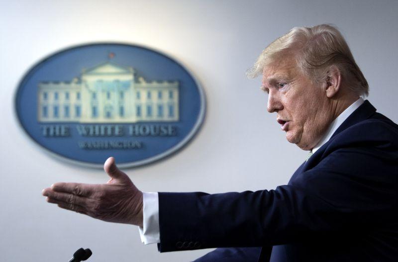 Koronavírus: Donald Trump elmondta, hogyan gyógyítaná a betegséget