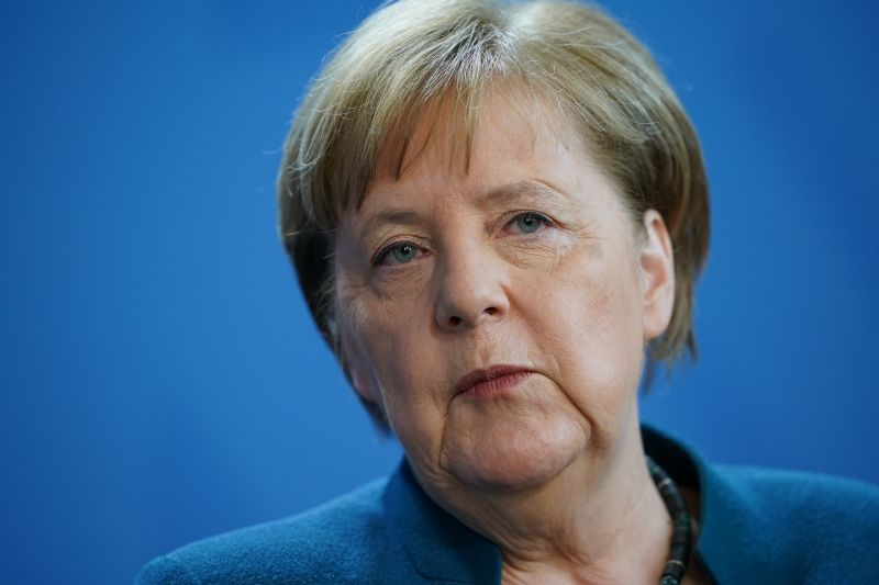 Angela Merkel otthoni karanténból köszönte meg az emberek felelősségteljes viselkedését