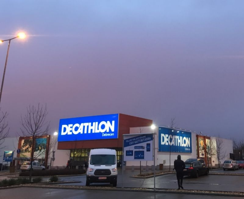Bezárja magyarországi üzleteit a Decathlon