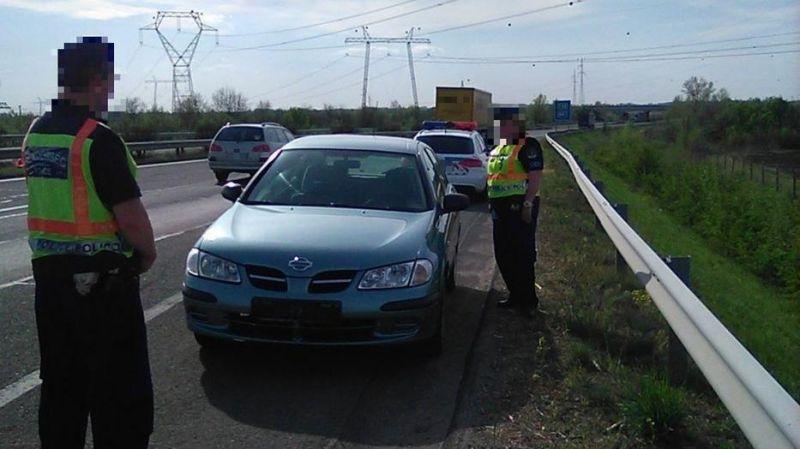 Jogosítvány nélkül, szemben a forgalommal hajtott az autópályán a csongrádi férfi