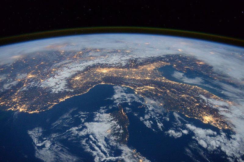 Karanténba szólították a világ egyharmadát