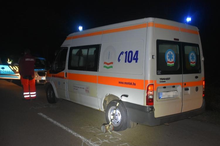 Majdnem balesetbe hajszolta a mentősöket egy magyar autós – bűnbánó levelet írt