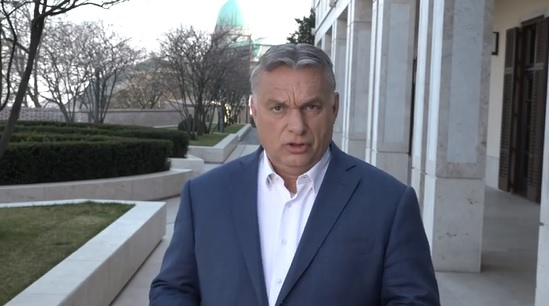 Özönlenek a lájkolók Orbán Viktor Facebook-oldalára