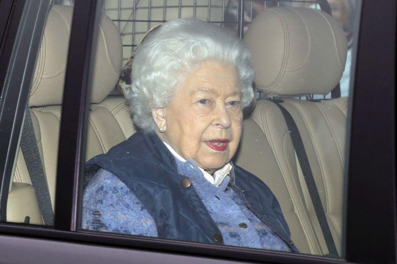 A királynő különleges üzenete a koronavírusról – Gyászról, fájdalomról és pénzügyi nehézségekről beszél