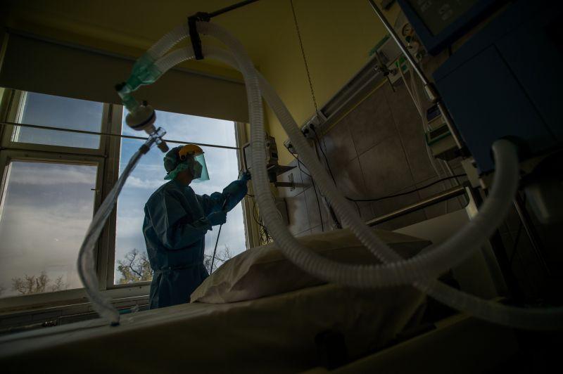 Védőnőket is kiképeznek a lélegeztetőgépek használatára Szegeden