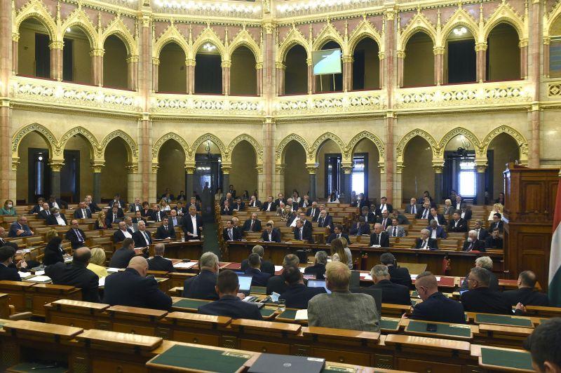 Végre dönt a parlament a vészhelyzet megszüntetéséről