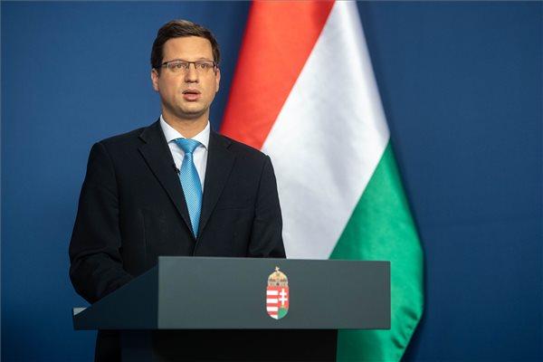 Gulyás Gergely: a budapestiek utazhatnak vidékre, Karácsony Gergely egyértelműsítse álláspontját!