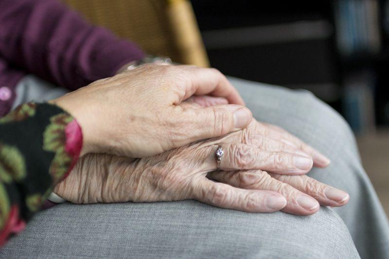 Így áll az idősotthonok koronavírus ellen harca – ez a legújabb fejlemény