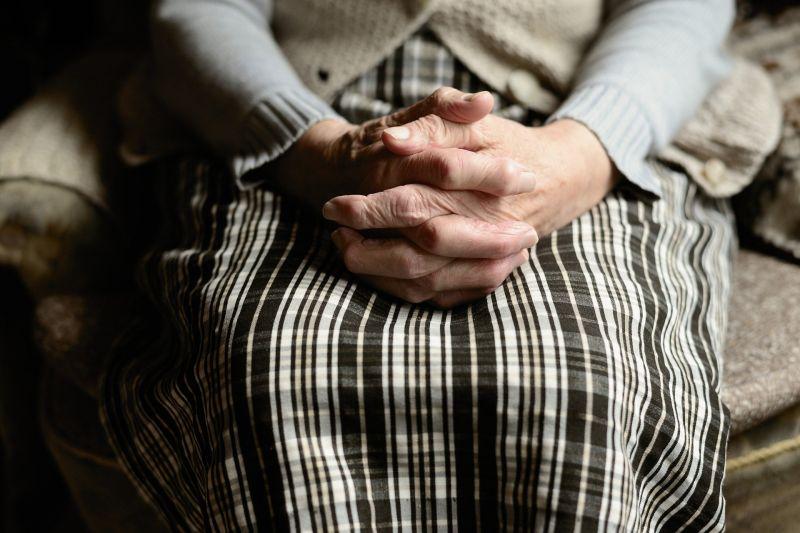 Csekély számú fertőzöttet találtak a fővárosi idősek, ápolóik és a hajléktalanok között