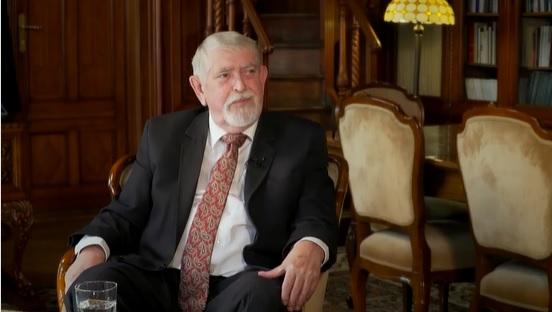 Az összes magyar orvos nevében visszautasítják, hogy Kásler rájuk kenje a kórházi ágyak kiürítését