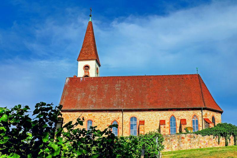 Ámokfutó: bezárkozott a templomba, aztán törni-zúzni kezdett a pécsi férfi