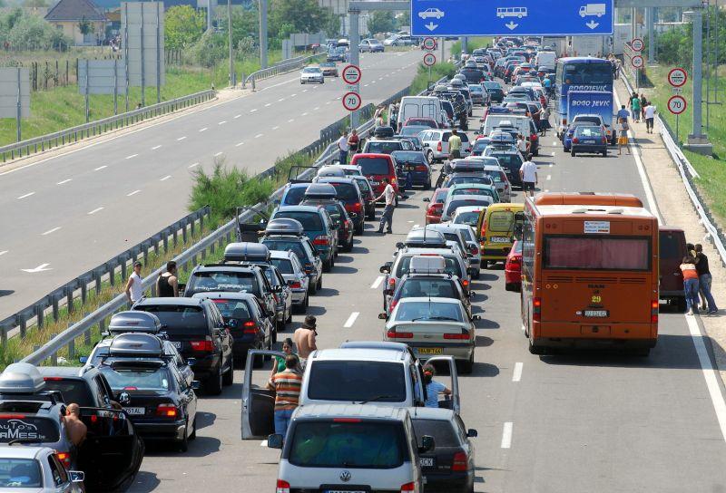 Több kilométeres a torlódás az M0-ás autóúton