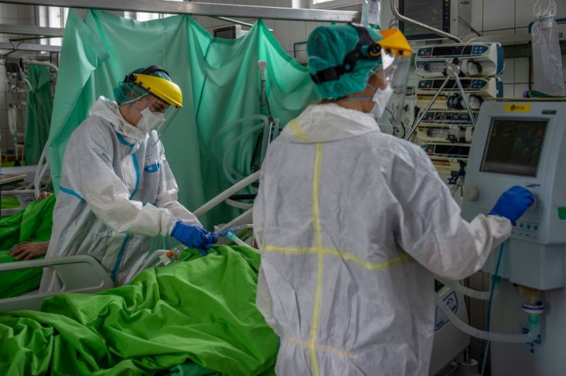 Megugrott a beazonosított koronavírus-fertőzöttek száma Magyarországon
