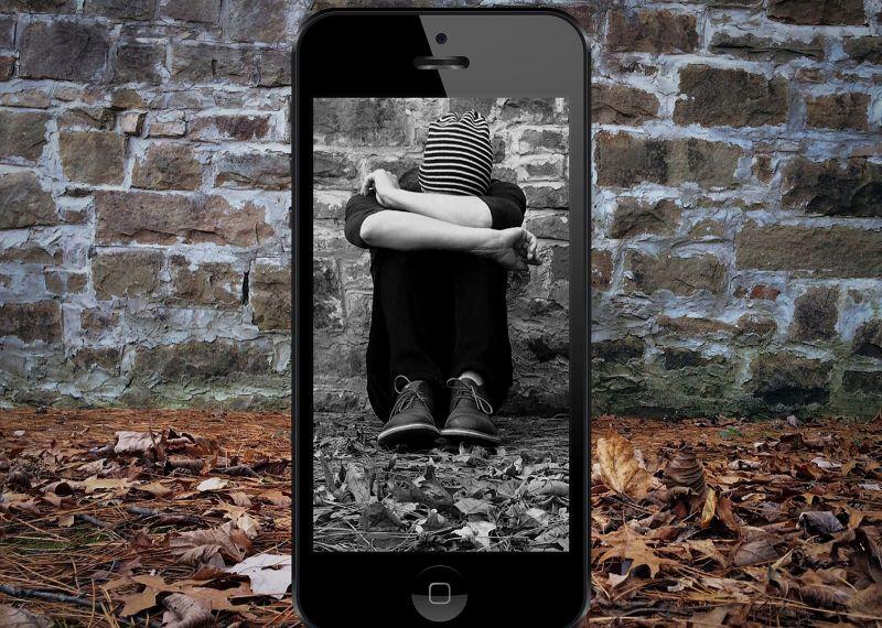 Így hat a fiatalokra az internetes zaklatás – sokkal mélyebb következményei vannak, mint sokan hiszik