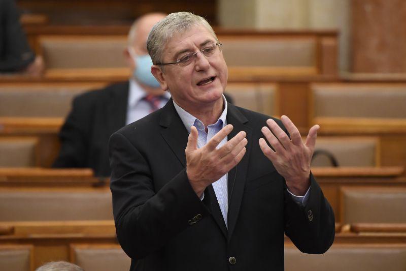 Fidesz: ha Gyurcsányékon múlna, már sokaknak se munka, se álláskeresési támogatás nem lenne