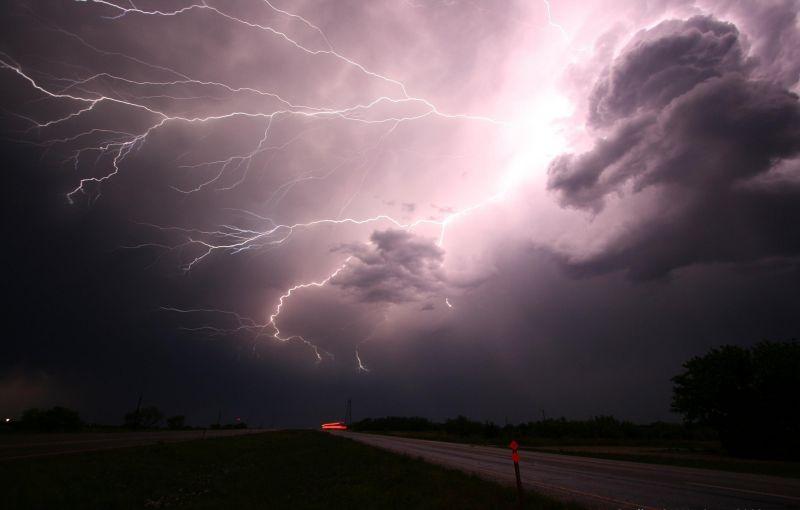 Ma főleg az Alföld kap a viharokból, felhőszakakadásokból
