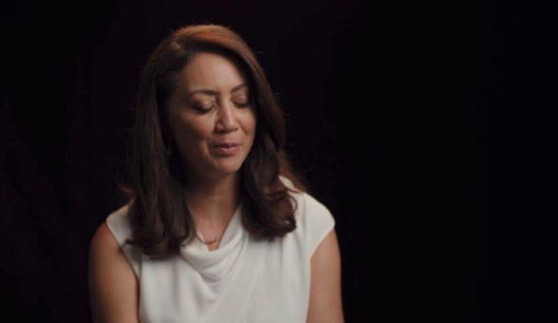 Hihetetlen tragédia: élő adásban vetélt el a műsorvezetőnő – VIDEÓ