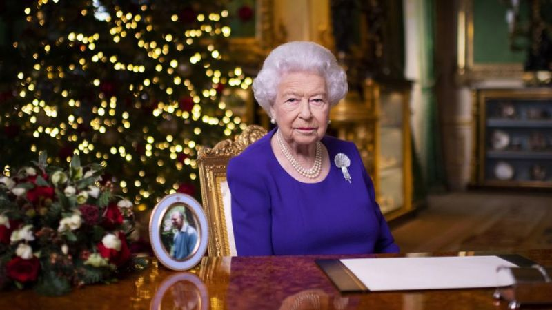 Óriási elismerés: Az angol királynő egy magyar orvost tüntetett ki