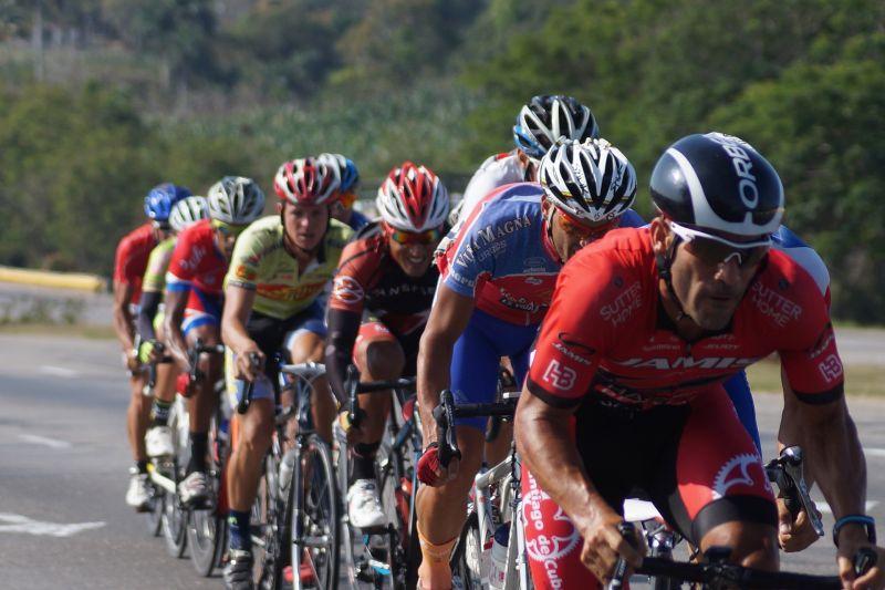 """Megszólalt a balatoni biciklis tömegkarambol egyik áldozata: """"én még ennyi vérző embert kerékpárversenyen nem láttam"""""""