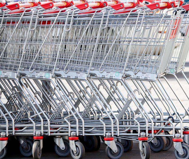 Pünkösdre felbátorodtak a kora tavasszal élelmiszerhegyeket felhalmozó vásárlók