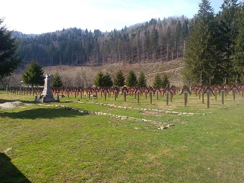 Ítélet született az úzvölgyi temetőről, ahol összecsaptak a magyarok és a románok – itt van, kinek kedvez ez