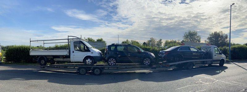 Az M1-es autópályán fülelték le a túlsúlyos járműszerelvényt