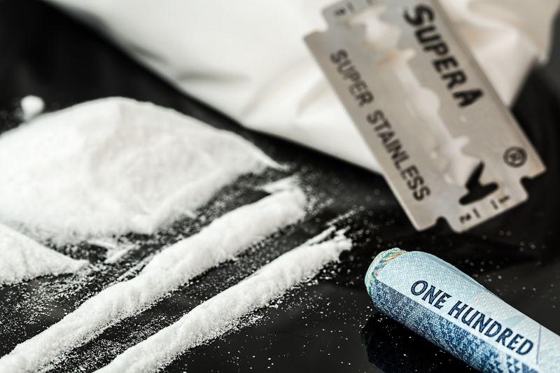 Brutális mennyiségű kokaint találtak az angol királynő palotájában