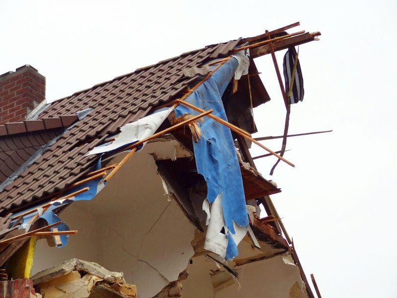 Repülő csapódott egy lakóházba, egy 9 hónapos gyerek is életét vesztette