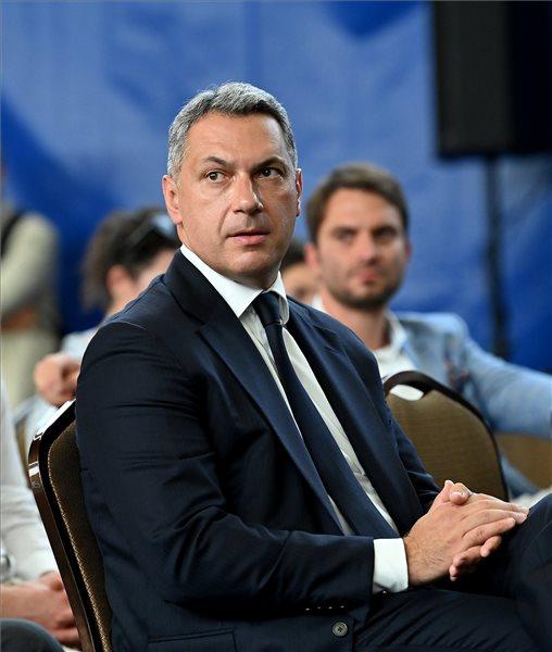 Orbán kijelölte, elnyerte: Lázár János lett a Magyar Tenisz Szövetség elnöke