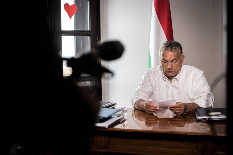 Orbán Viktor levelet írt Donald Trumpnak, nem maradhatott ki a migránsozás sem