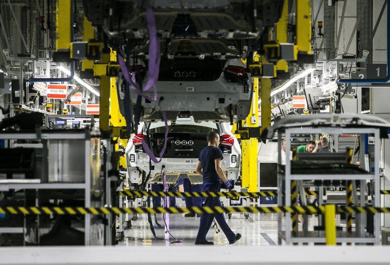 Egy hétre leáll a kecskeméti Mercedes-gyár