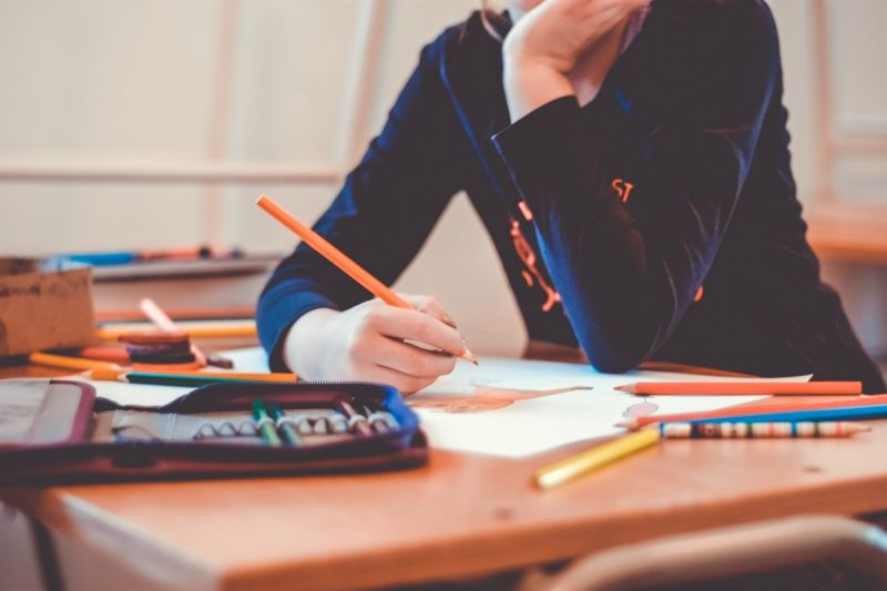 Bejelentette a kormány: újabb szigorítás lesz az iskolákban – ezentúl ez a szabály