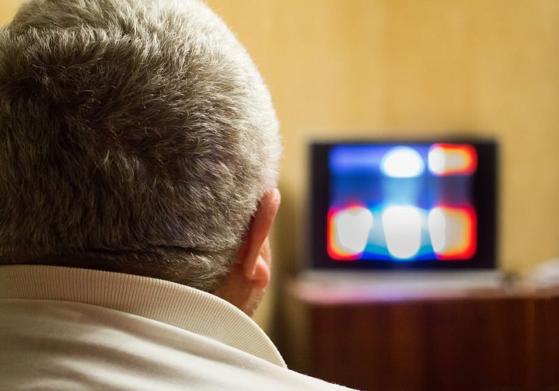 Lopott tévéműsorokat közvetítettek, több százmilliós kárt okoztak