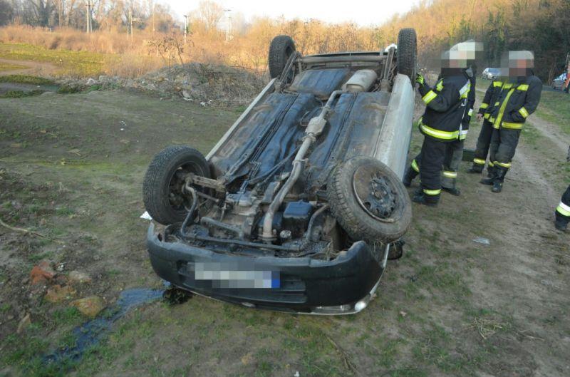 Betartotta a sebességkorlátozást, amin úgy felhúzta magát a mögötte haladó idegbeteg sofőr, hogy a vétlen autós végezte az árokban