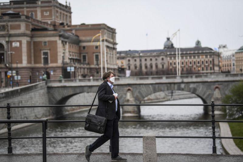 A svéd járványszakértő továbbra sem javasolja maszkok viseletét