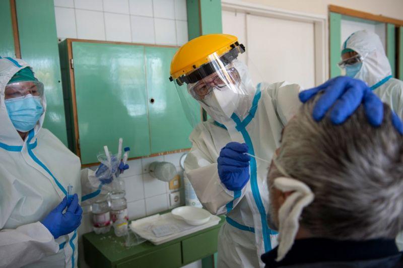 Koronavírus: 21 fővel nőtt az új fertőzöttek száma