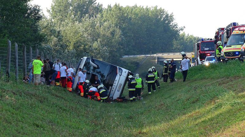 Szijjártó Péter részvétét fejezte ki a lengyel elnök kabinetfőnökének a buszbaleset miatt