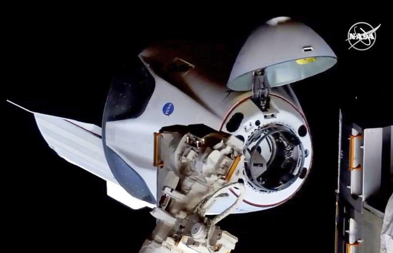Hajnalban levált az űrállomásról a Crew Dragon