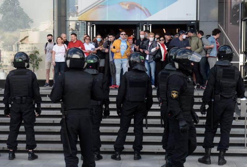 A nap vicce: a Fehérorosz vezetés aggresszívnek hívta az Európai Parlamentet – miközben az országban kínzás és halál várhat a tüntetőkre