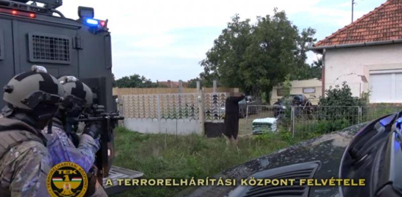 A TEK segítségével kapták el az európai elfogatóparanccsal körözött férfit Egyeken