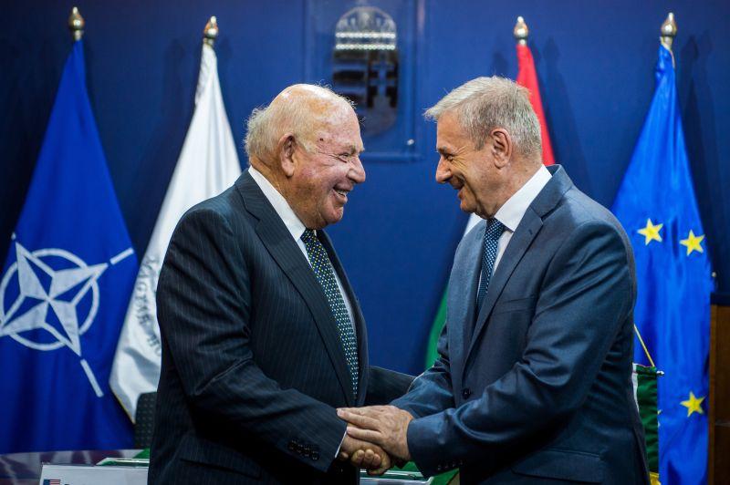 Egymilliárd dollárért vesz Magyarország légvédelmi rakétarendszert Az Egyesült Államoktól
