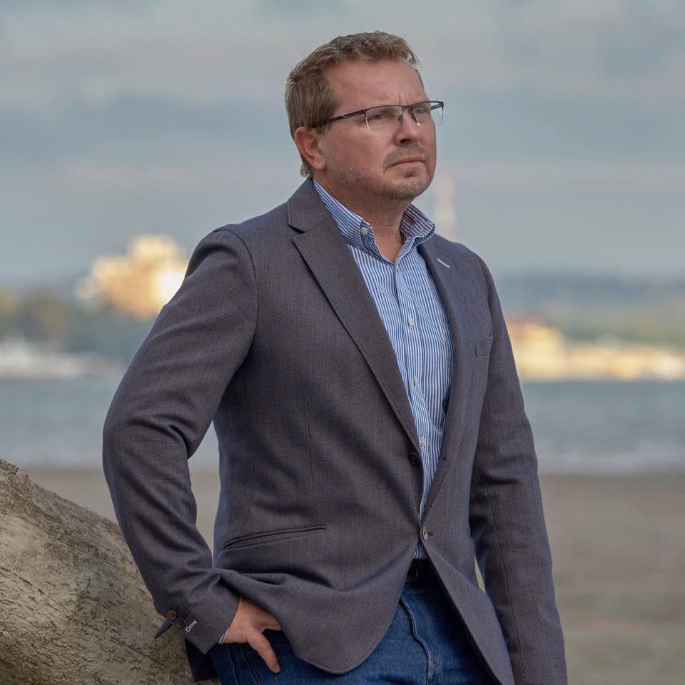 Kirúgta a város jegyzőjét Mohács polgármestere, kiakadt a Fidesz